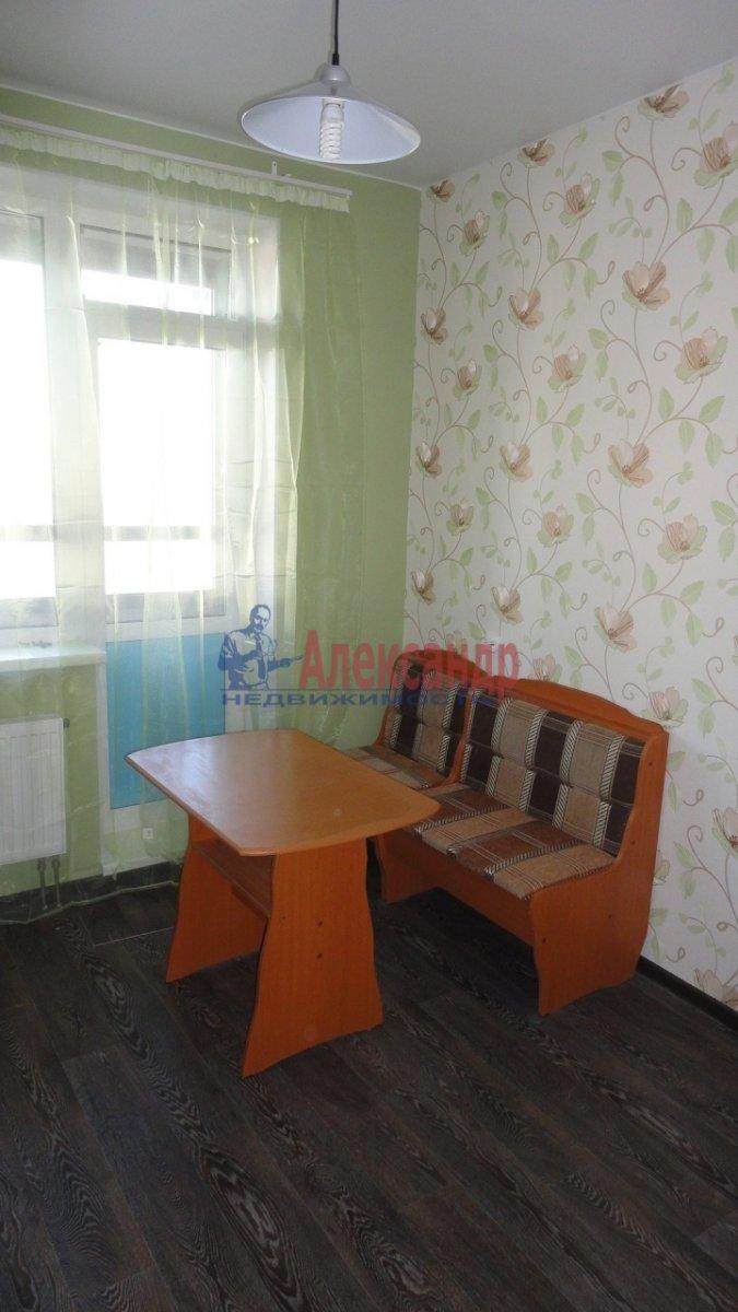 2-комнатная квартира (72м2) в аренду по адресу Лыжный пер., 4— фото 2 из 9