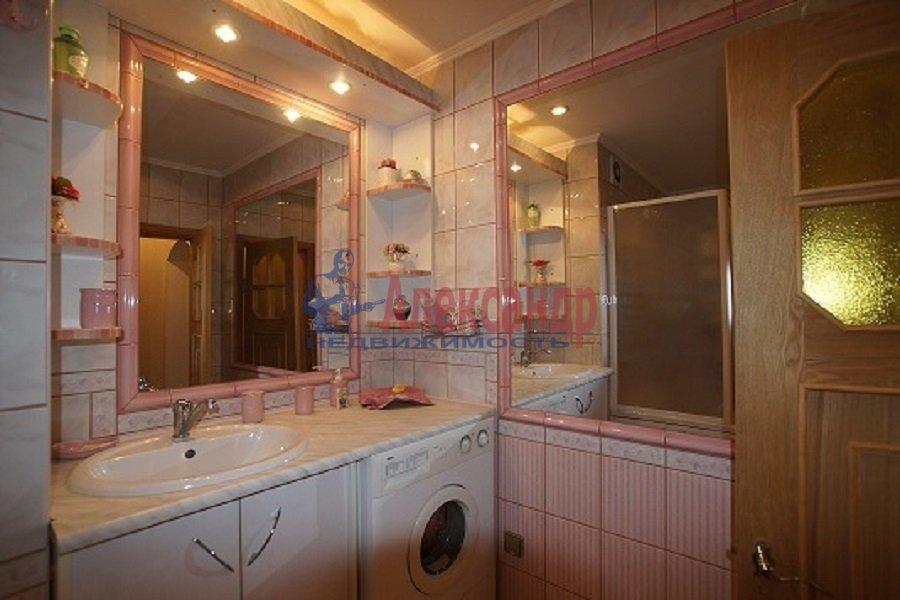 2-комнатная квартира (70м2) в аренду по адресу Лиговский пр., 212— фото 4 из 4