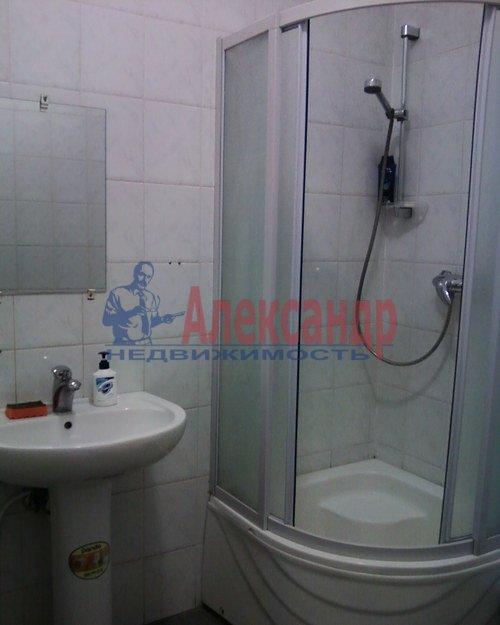 Комната в 2-комнатной квартире (60м2) в аренду по адресу Канала Грибоедова наб., 9— фото 3 из 3