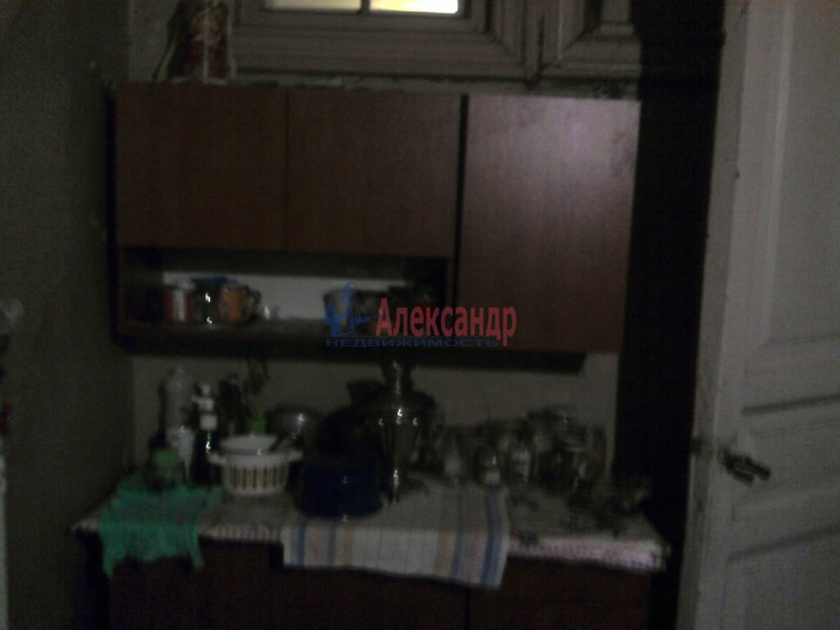 3-комнатная квартира (90м2) в аренду по адресу Кирочная ул., 30— фото 4 из 4