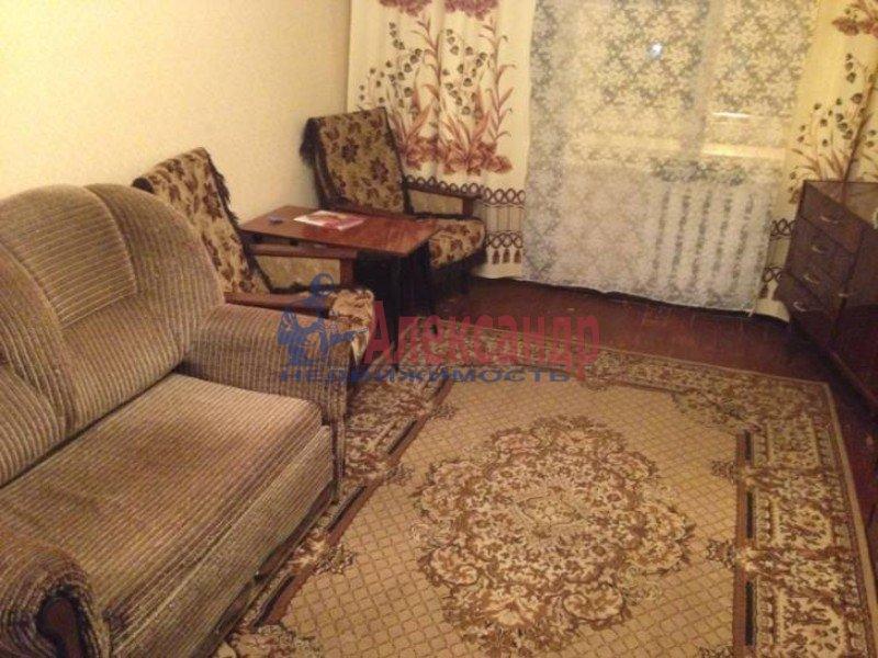 2-комнатная квартира (50м2) в аренду по адресу Маршала Блюхера пр., 59— фото 1 из 4
