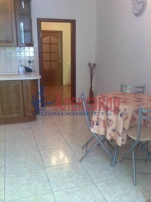 1-комнатная квартира (45м2) в аренду по адресу Композиторов ул., 18— фото 8 из 8
