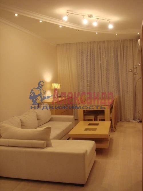 2-комнатная квартира (64м2) в аренду по адресу Кузнецова пр., 14— фото 3 из 5