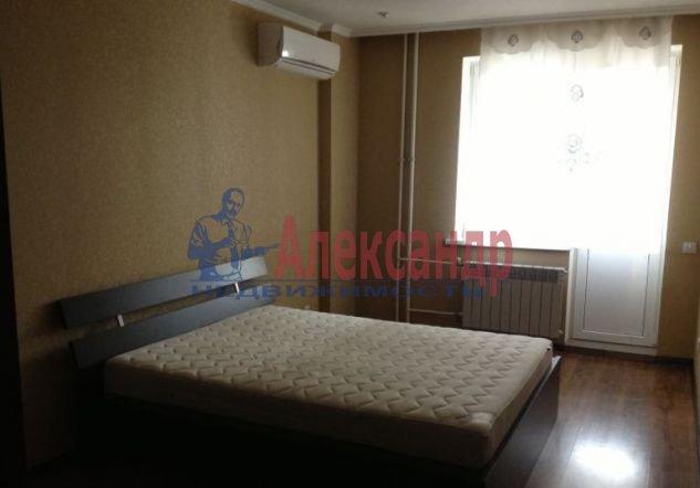 2-комнатная квартира (54м2) в аренду по адресу Ленинский пр., 135— фото 2 из 5