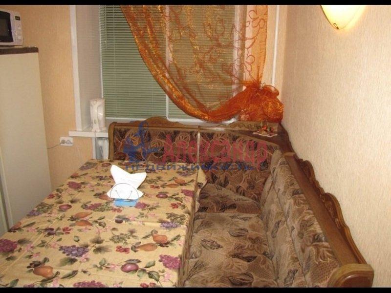 1-комнатная квартира (41м2) в аренду по адресу Ольминского ул., 10— фото 4 из 5