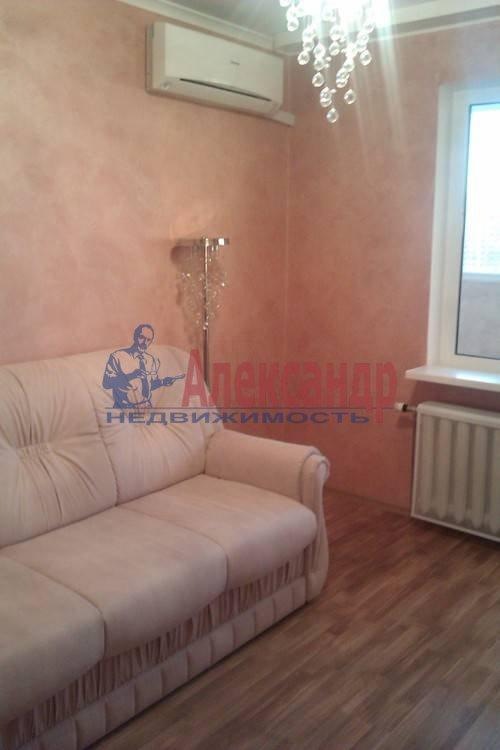 2-комнатная квартира (61м2) в аренду по адресу Коломяжский пр., 26— фото 1 из 12