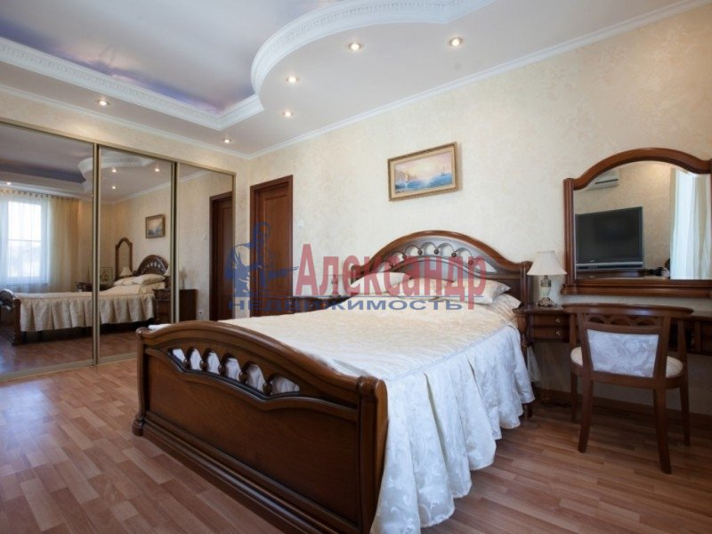 3-комнатная квартира (120м2) в аренду по адресу Парадная ул., 3— фото 9 из 15