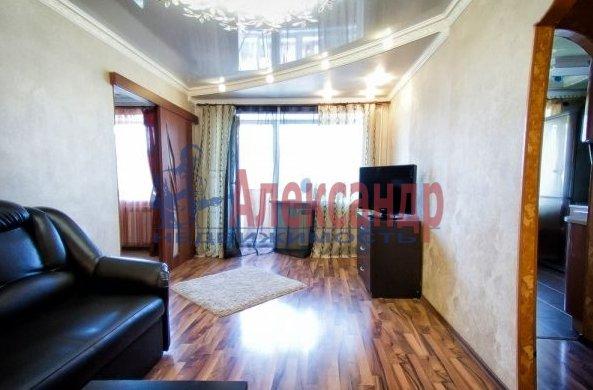 2-комнатная квартира (60м2) в аренду по адресу Бадаева ул., 6— фото 2 из 5