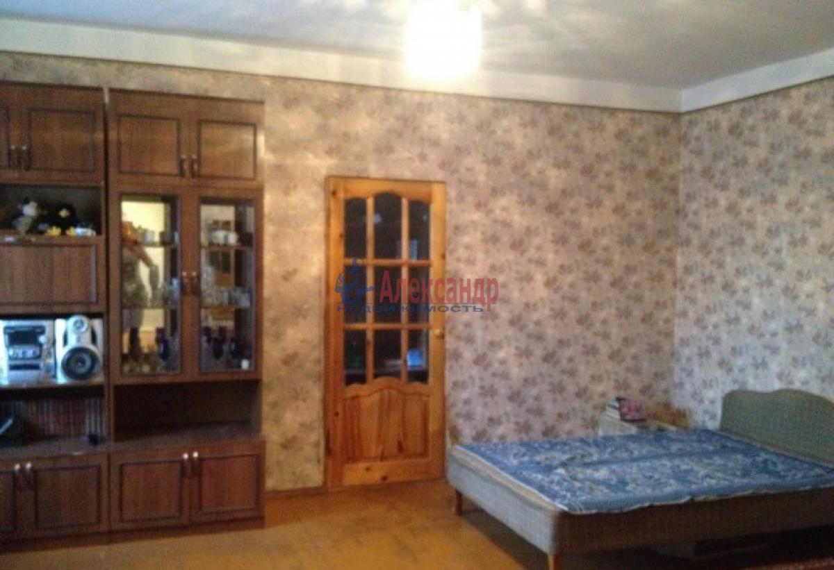 Комната в 3-комнатной квартире (73м2) в аренду по адресу Шушары пос., Пушкинская ул.— фото 2 из 4