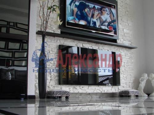 1-комнатная квартира (62м2) в аренду по адресу Петрозаводская ул., 16— фото 6 из 6