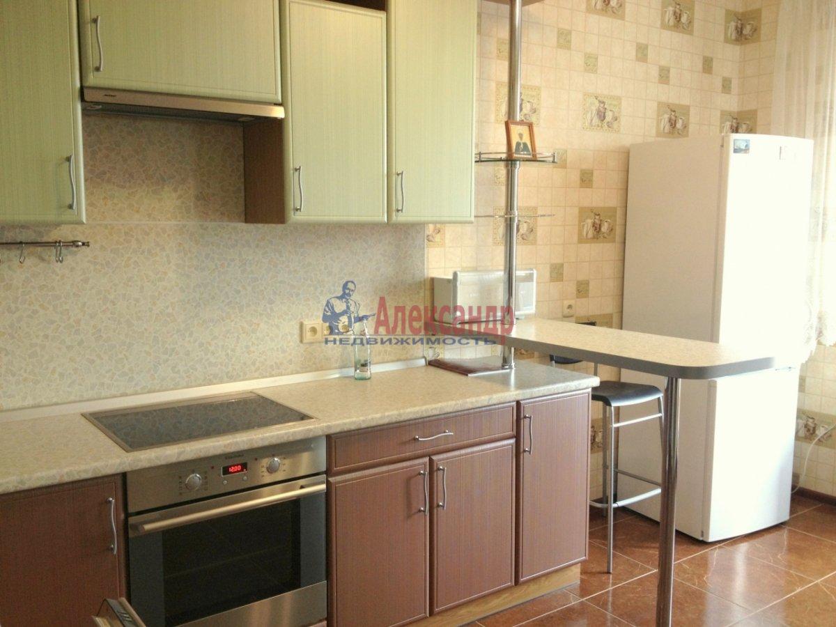 2-комнатная квартира (67м2) в аренду по адресу Космонавтов просп., 63— фото 1 из 10