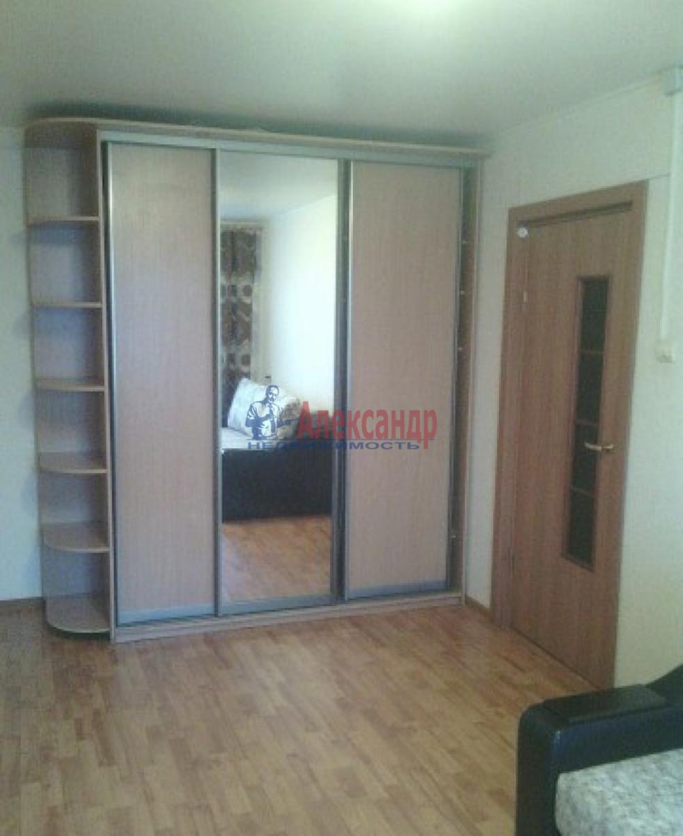 1-комнатная квартира (35м2) в аренду по адресу Нарвский пр., 14— фото 3 из 8