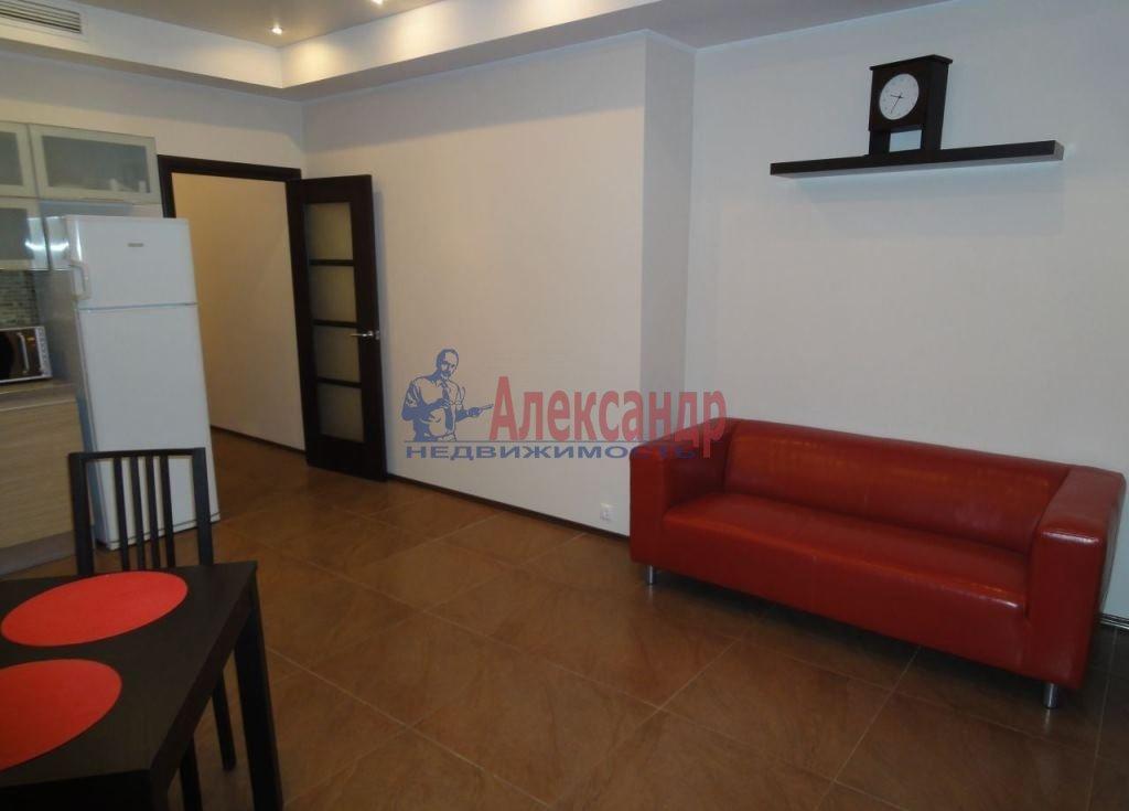 2-комнатная квартира (65м2) в аренду по адресу Ткачей ул., 5— фото 2 из 8