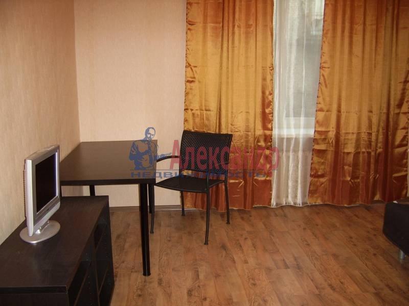 2-комнатная квартира (54м2) в аренду по адресу Дрезденская ул.— фото 8 из 11