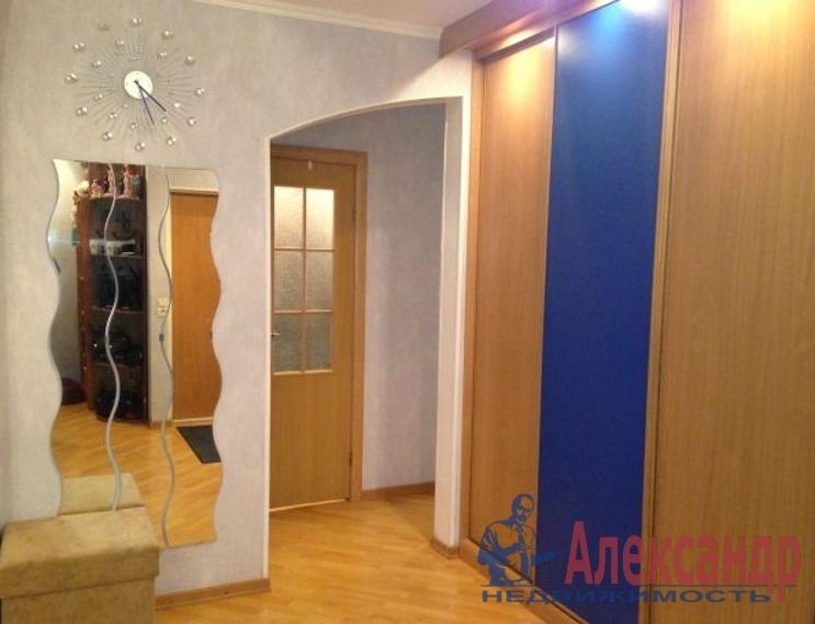 2-комнатная квартира (65м2) в аренду по адресу Комендантский пр., 8— фото 2 из 4
