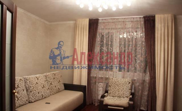 2-комнатная квартира (65м2) в аренду по адресу Ворошилова ул., 25— фото 2 из 8