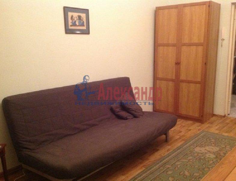 2-комнатная квартира (59м2) в аренду по адресу Новочеркасский пр., 32— фото 2 из 5