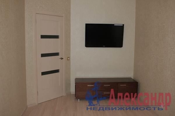 1-комнатная квартира (42м2) в аренду по адресу Учительская ул., 18— фото 3 из 6