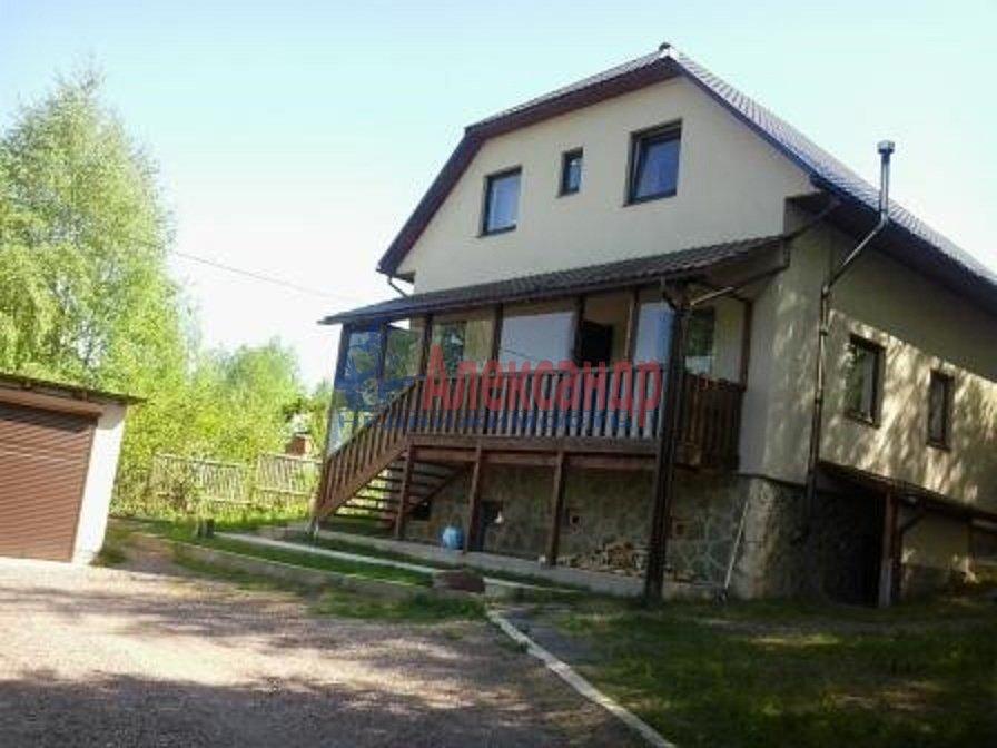 Дом (180м2) в аренду — фото 1 из 5