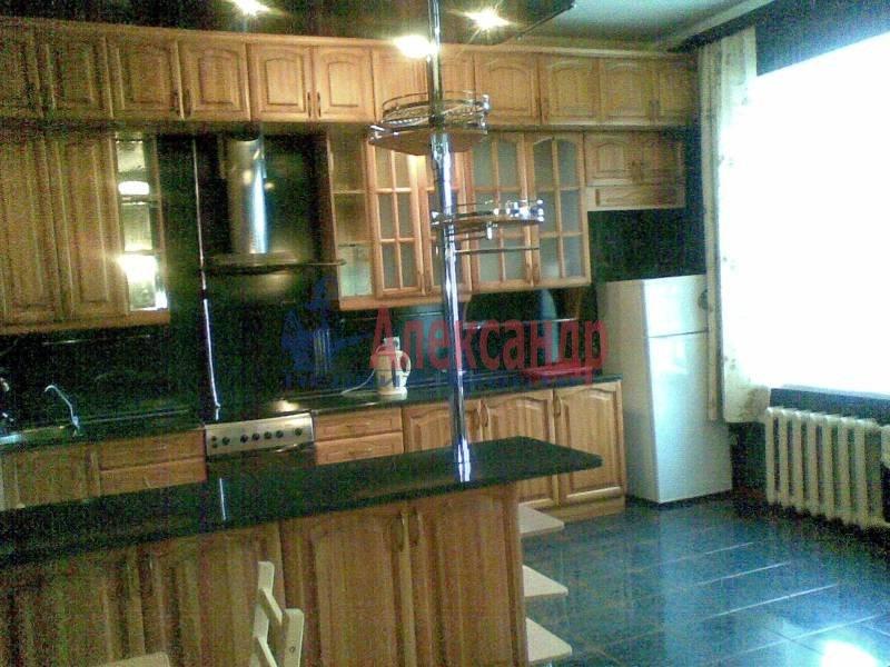 2-комнатная квартира (72м2) в аренду по адресу Ефимова ул.— фото 1 из 7