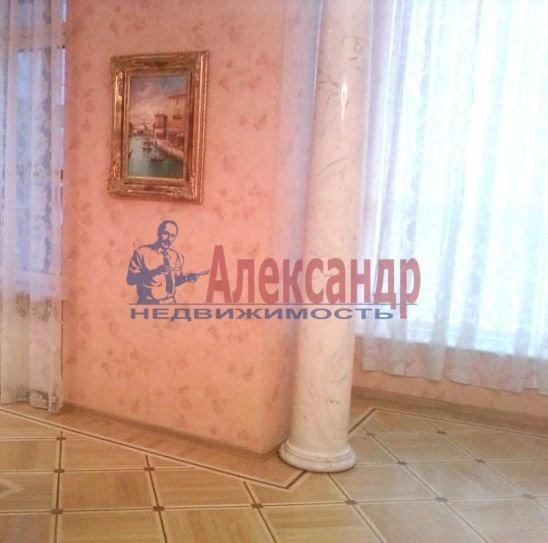 2-комнатная квартира (70м2) в аренду по адресу Петровский пр., 14— фото 4 из 5