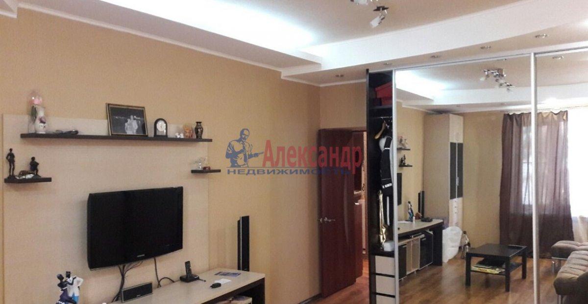 2-комнатная квартира (65м2) в аренду по адресу 1 Муринский пр., 94— фото 2 из 9