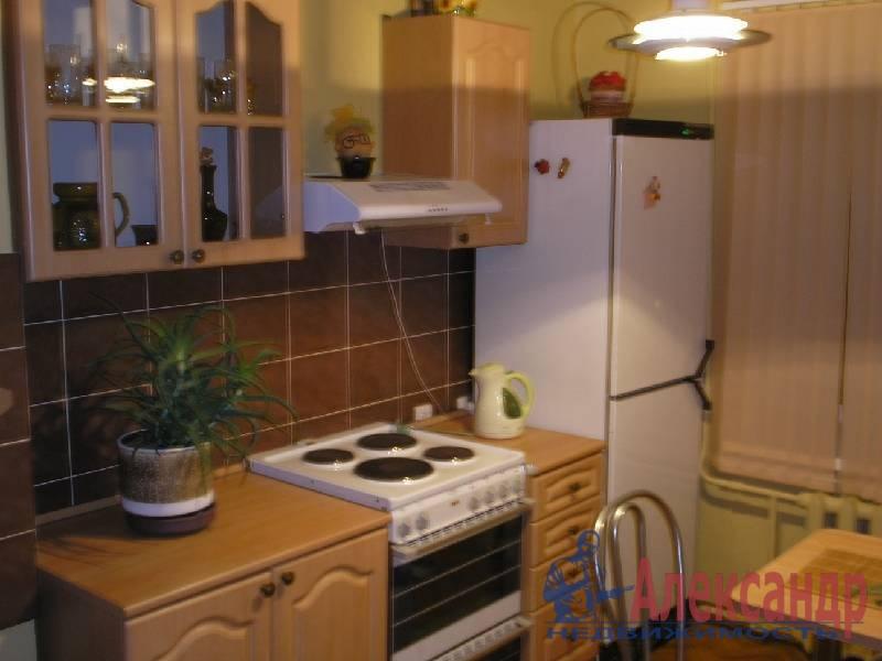 1-комнатная квартира (40м2) в аренду по адресу Маршала Казакова ул., 9— фото 4 из 5