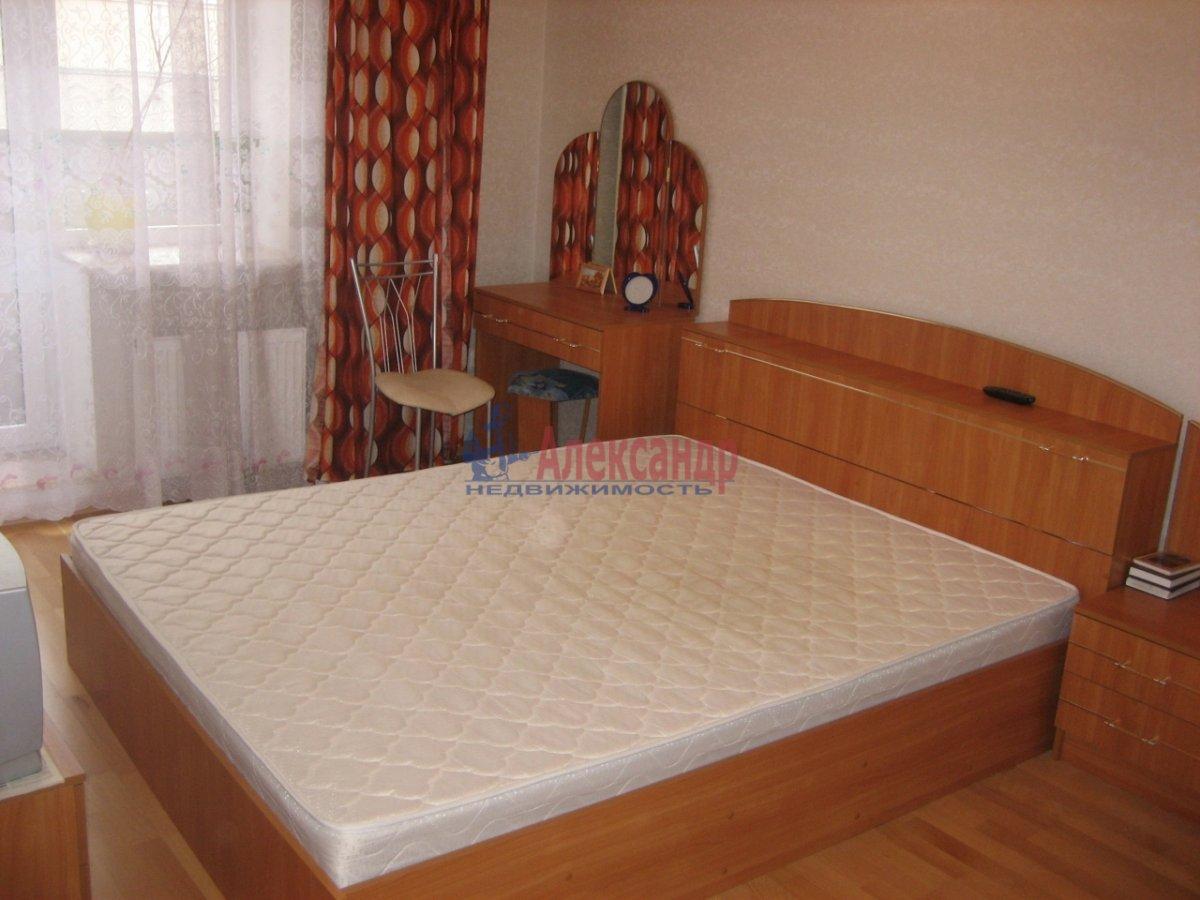 1-комнатная квартира (36м2) в аренду по адресу Октябрьская наб., 124— фото 1 из 5