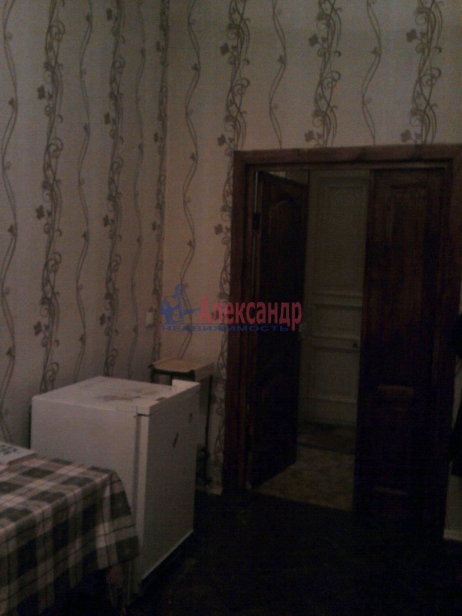 3-комнатная квартира (90м2) в аренду по адресу Кирочная ул., 30— фото 3 из 4