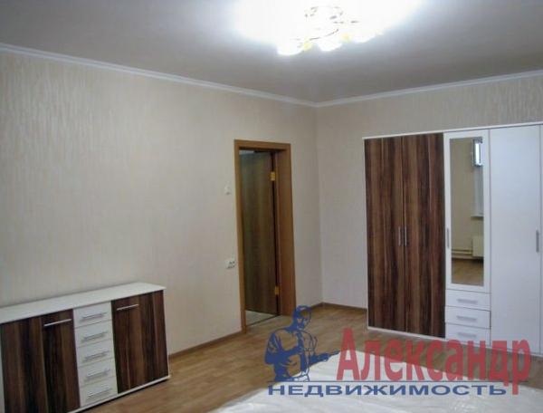 2-комнатная квартира (67м2) в аренду по адресу Пулковская ул., 6— фото 4 из 5