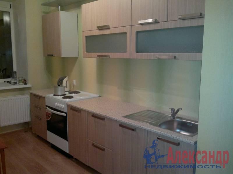 1-комнатная квартира (38м2) в аренду по адресу Есенина ул., 1— фото 2 из 3