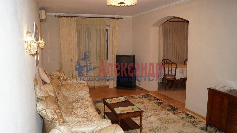 3-комнатная квартира (100м2) в аренду по адресу Парашютная ул., 19— фото 2 из 10
