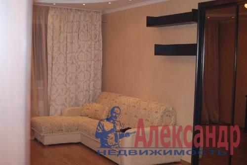 2-комнатная квартира (80м2) в аренду по адресу Сизова пр., 21— фото 1 из 3