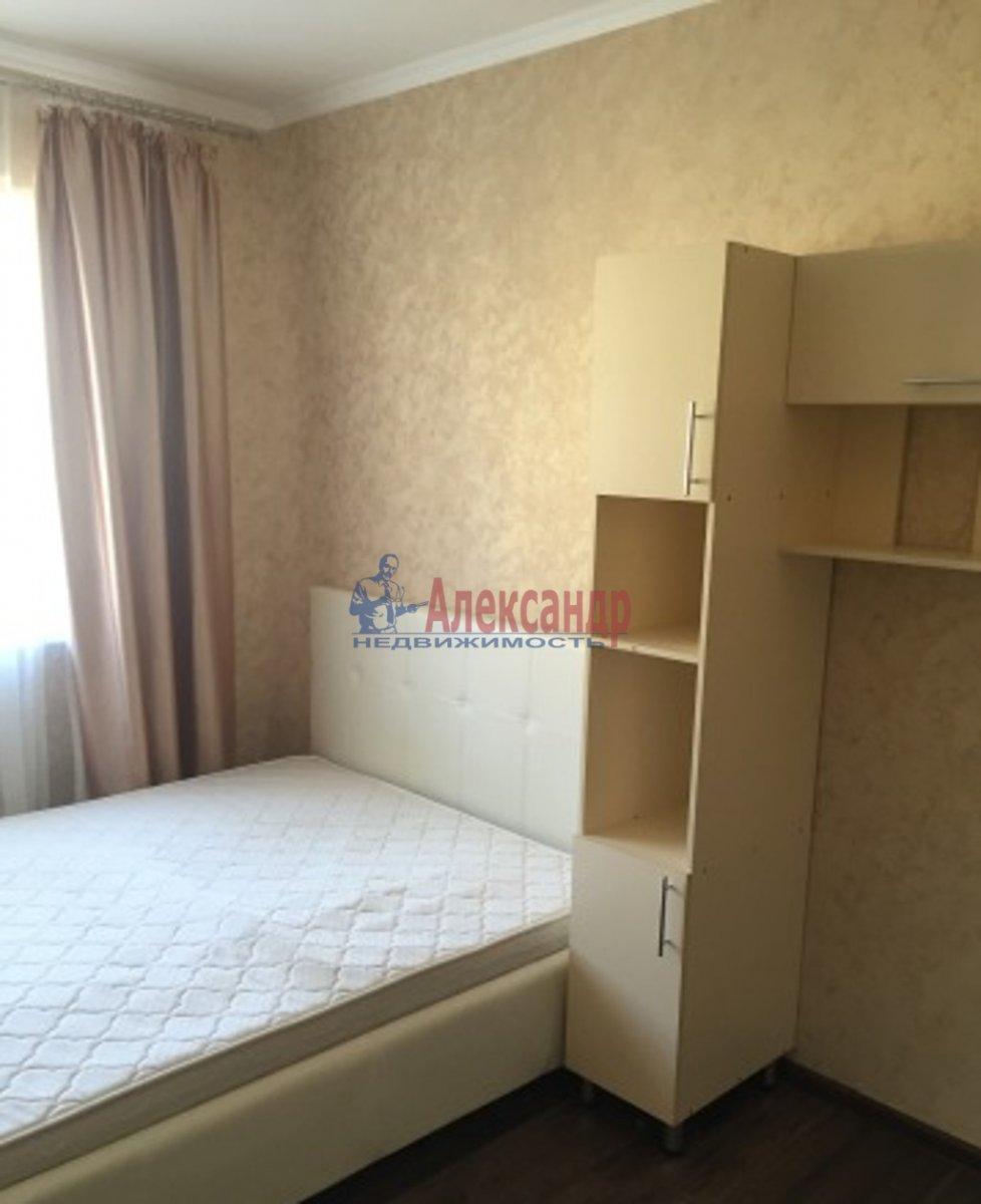 2-комнатная квартира (65м2) в аренду по адресу Героев пр., 26— фото 2 из 3