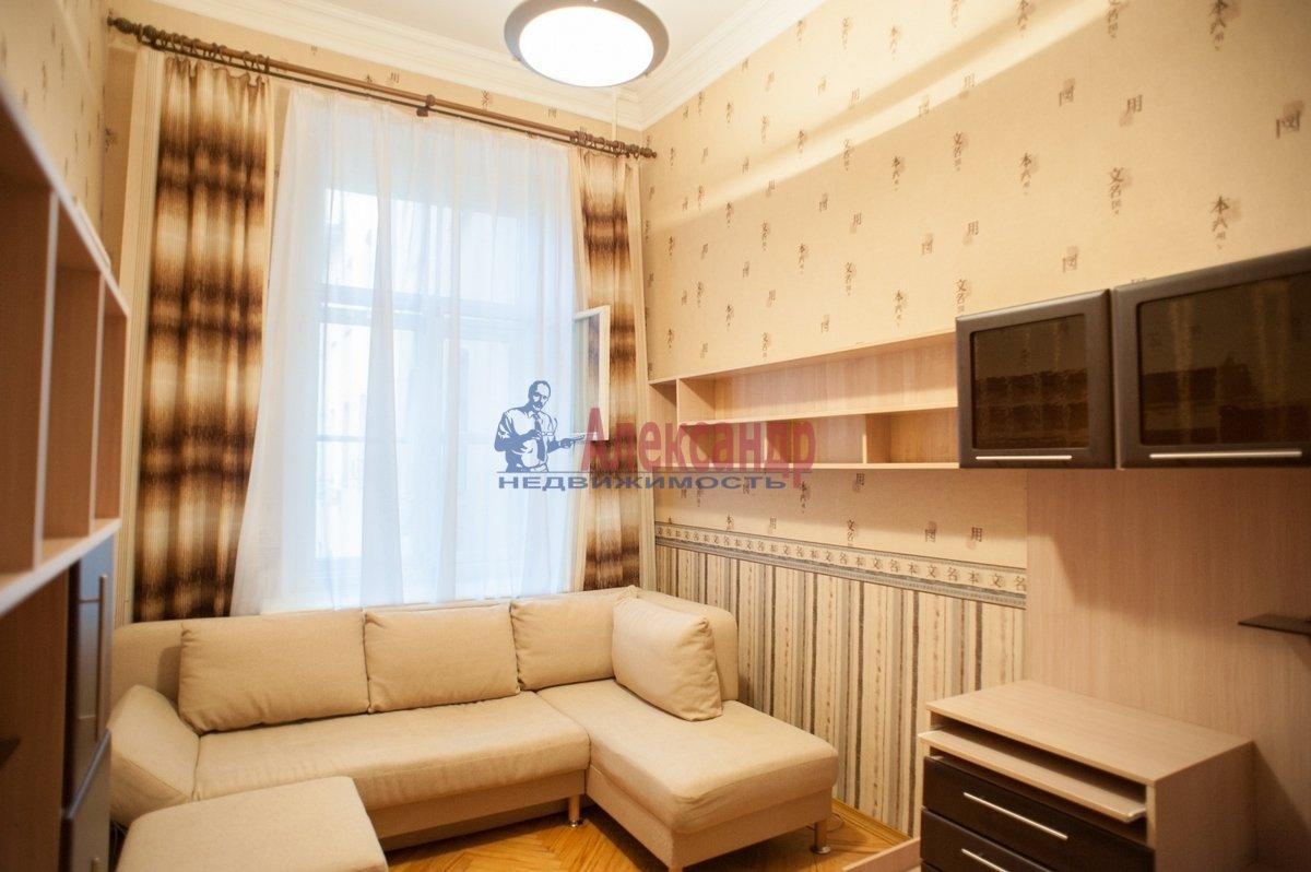 2-комнатная квартира (72м2) в аренду по адресу Реки Фонтанки наб., 64— фото 3 из 7