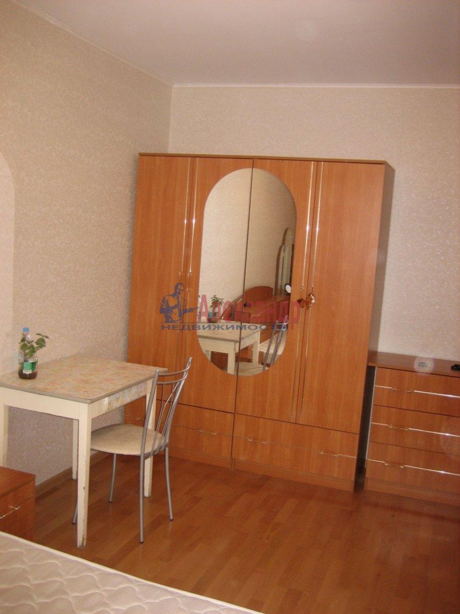 1-комнатная квартира (36м2) в аренду по адресу Октябрьская наб., 124— фото 2 из 5