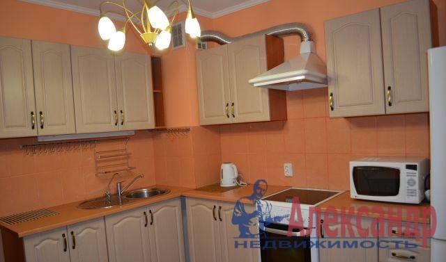 2-комнатная квартира (64м2) в аренду по адресу Байконурская ул., 24— фото 3 из 4