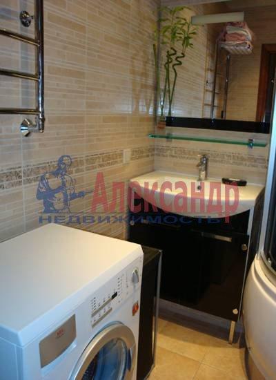 2-комнатная квартира (75м2) в аренду по адресу Миллионная ул., 16— фото 4 из 4