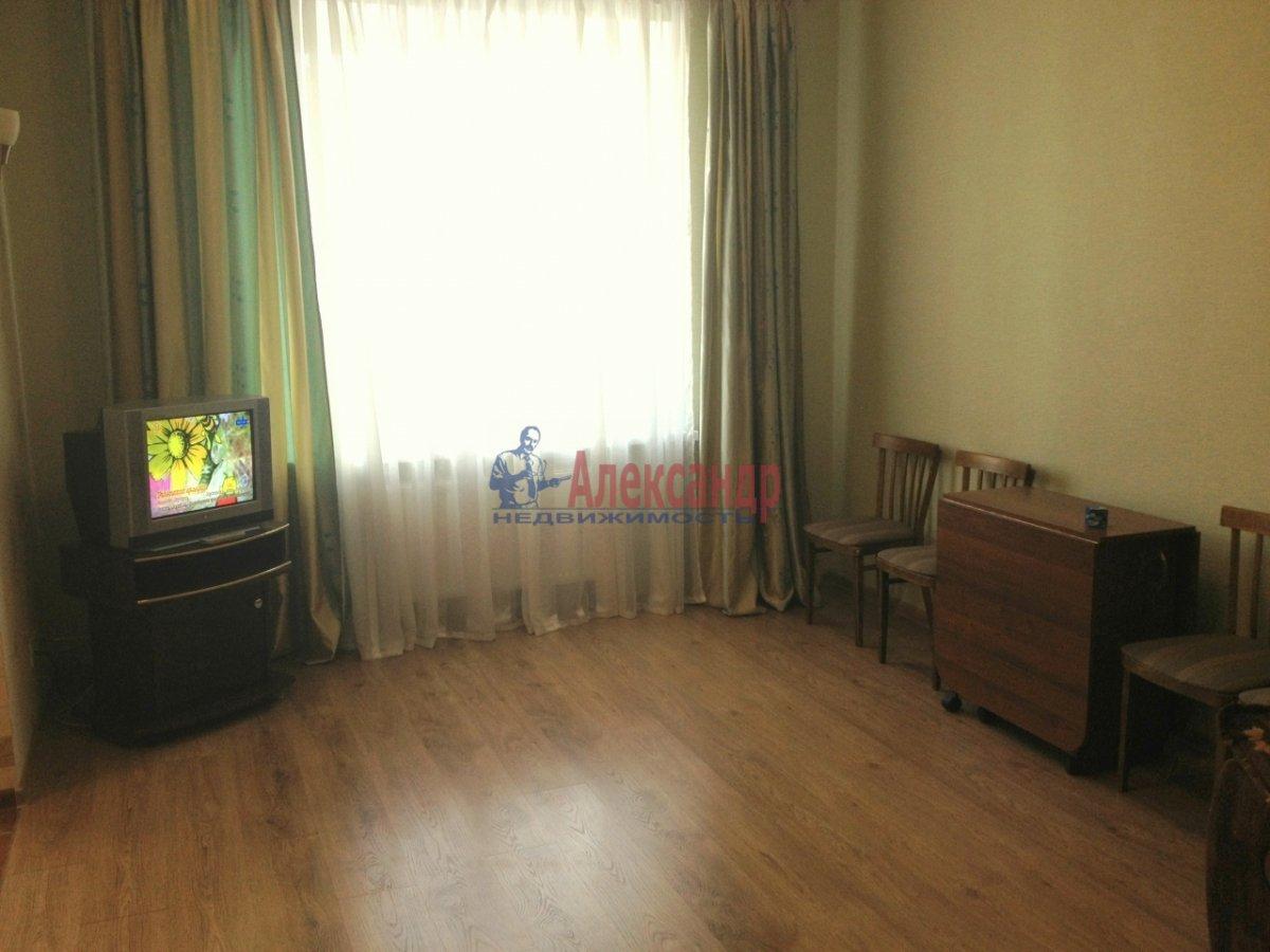 2-комнатная квартира (67м2) в аренду по адресу Космонавтов просп., 63— фото 5 из 10