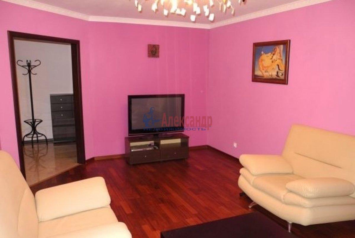 2-комнатная квартира (66м2) в аренду по адресу Ленинский пр., 114— фото 3 из 6