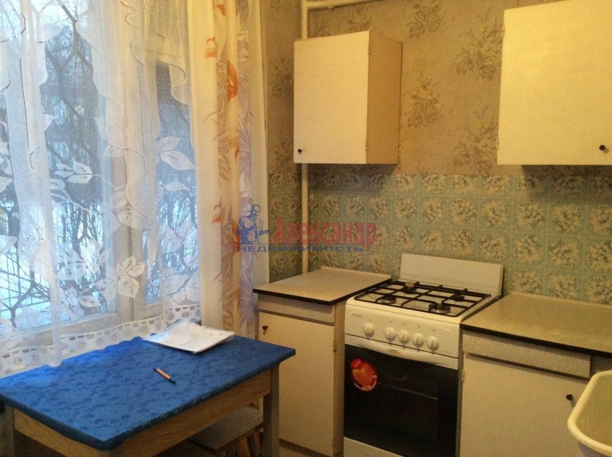 1-комнатная квартира (34м2) в аренду по адресу Светлановский просп., 109— фото 4 из 8