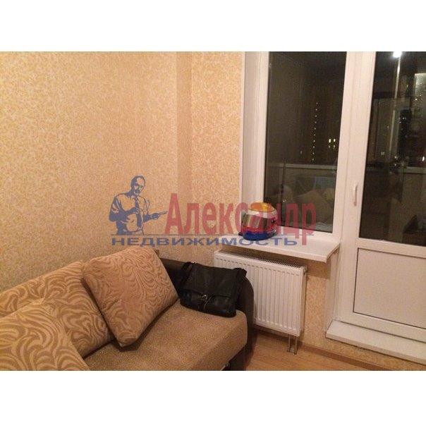 1-комнатная квартира (38м2) в аренду по адресу Шуваловский пр., 37— фото 2 из 10