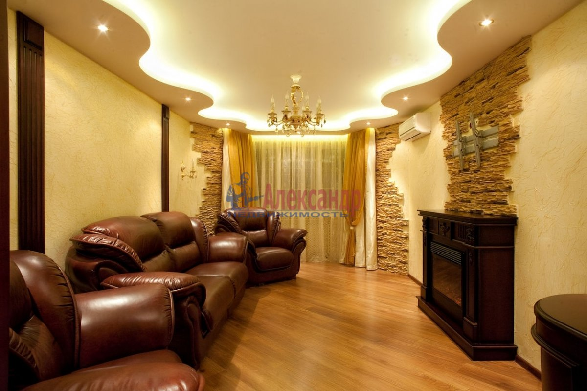 2-комнатная квартира (70м2) в аренду по адресу Киришская ул., 2— фото 1 из 1