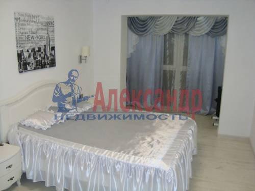 2-комнатная квартира (84м2) в аренду по адресу Плуталова ул., 4— фото 3 из 8