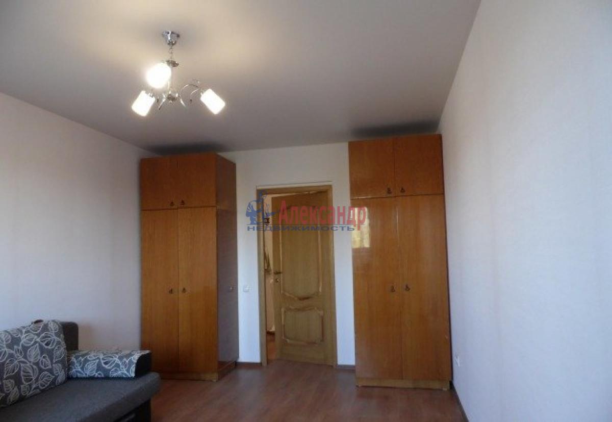 1-комнатная квартира (55м2) в аренду по адресу Октябрьская наб., 126— фото 2 из 10
