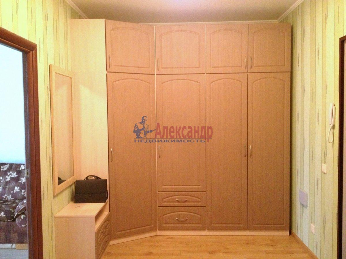 2-комнатная квартира (67м2) в аренду по адресу Космонавтов просп., 63— фото 6 из 10