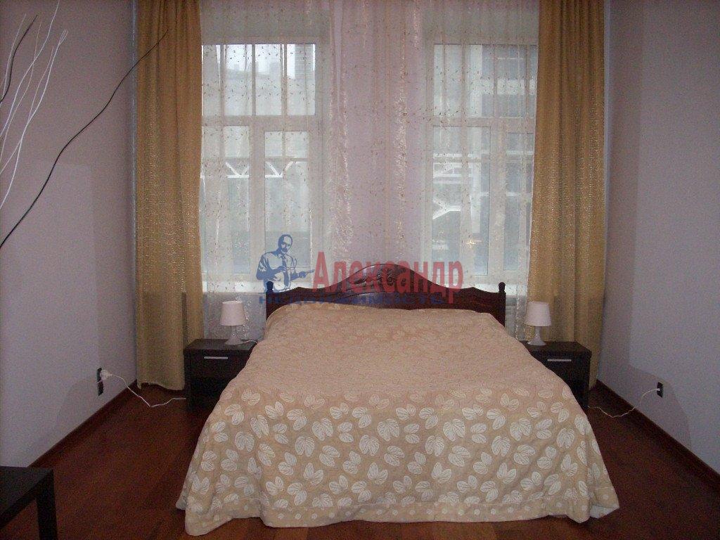 1-комнатная квартира (35м2) в аренду по адресу Малая Морская ул.— фото 1 из 2