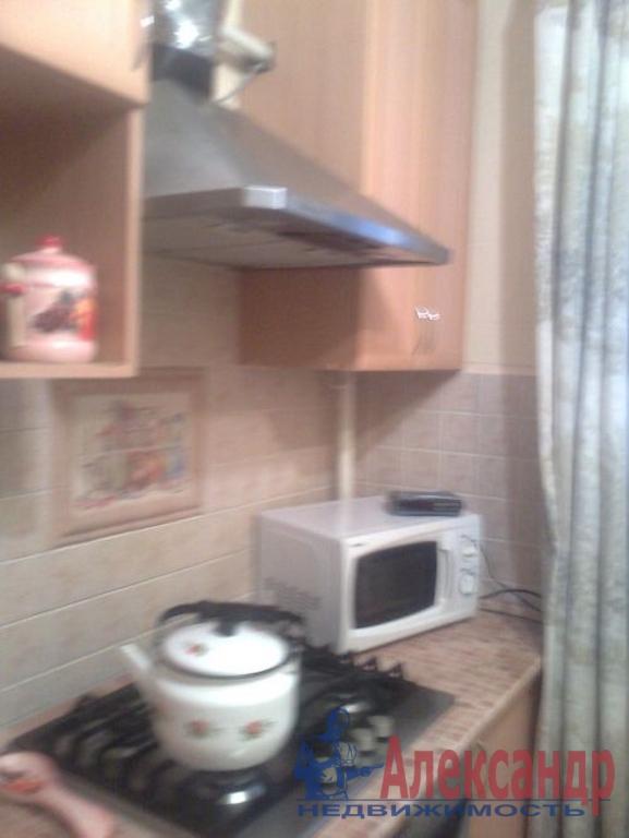2-комнатная квартира (44м2) в аренду по адресу Красное Село г., Юных Пионеров ул., 18— фото 3 из 4