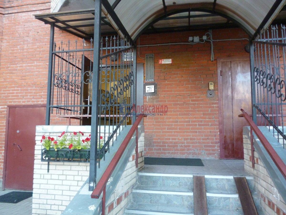 2-комнатная квартира (68м2) в аренду по адресу Комендантский пр., 12— фото 4 из 18