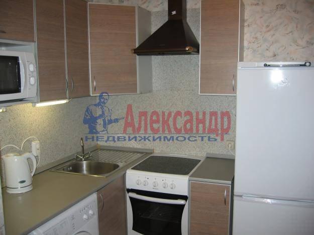 1-комнатная квартира (41м2) в аренду по адресу Космонавтов просп., 37— фото 1 из 3